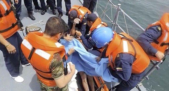 Колумбия: двое суток рыбак провел в холодной воде на куске пенопласта (8 фото)
