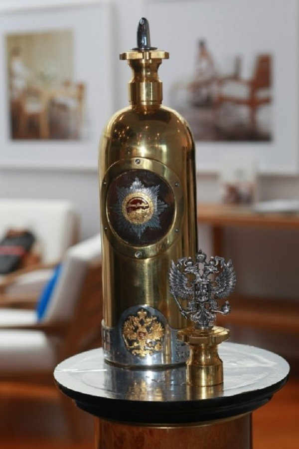 Топ-10 самых дорогих бутылок водки на свете (10 фото)