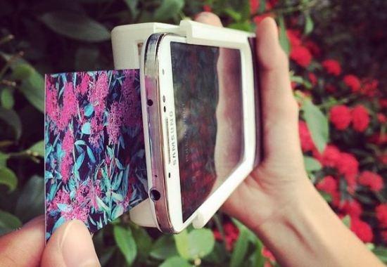 Чехол, который превращает смартфон в Polaroid (3 фото)