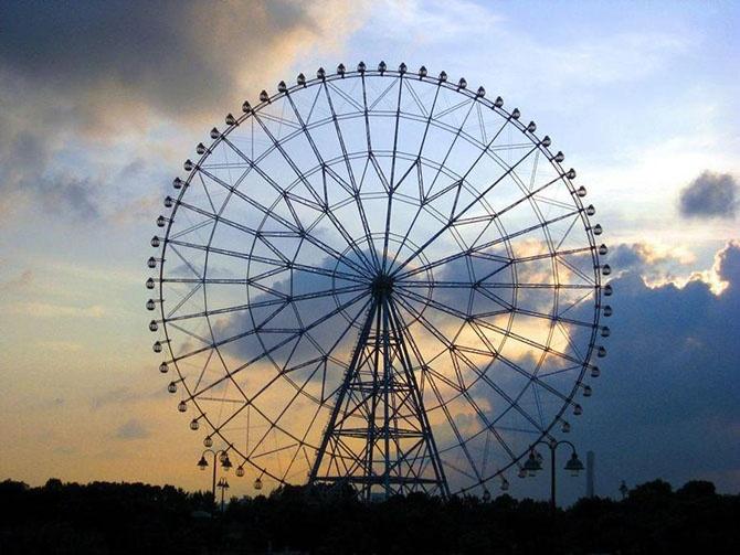Самые высокие колеса обозрения (10 фото)