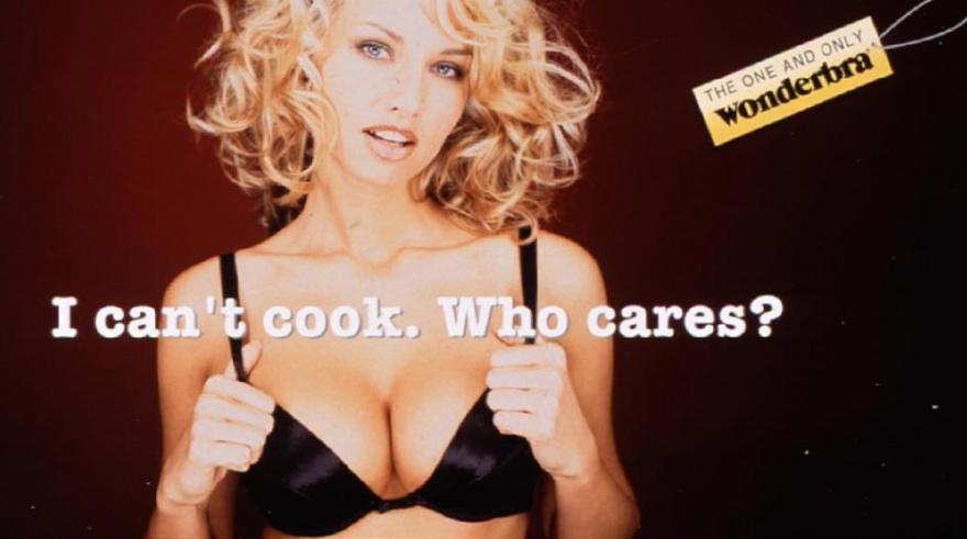 13 реклам, оскорбляющих женщин (14 фото)