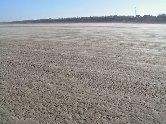 Ростов: уникальное природное явление «Ветровой сгон» (20 фото)
