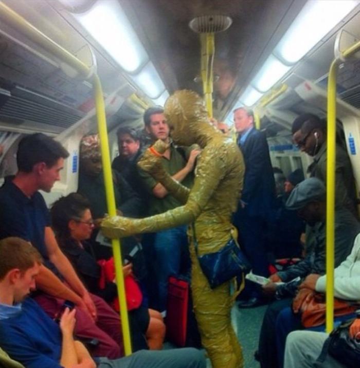 Непредсказуемый метрополитен Лондона (18 фото + 1 гифка)