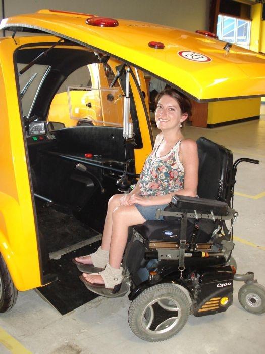 Специальный автомобиль для инвалидов-колясочников - Kenguru (12 фото)