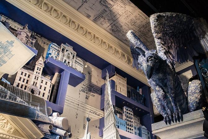Новое праздничное оформление универмага Bergdorf Goodman в Нью-Йорке (21 фото)
