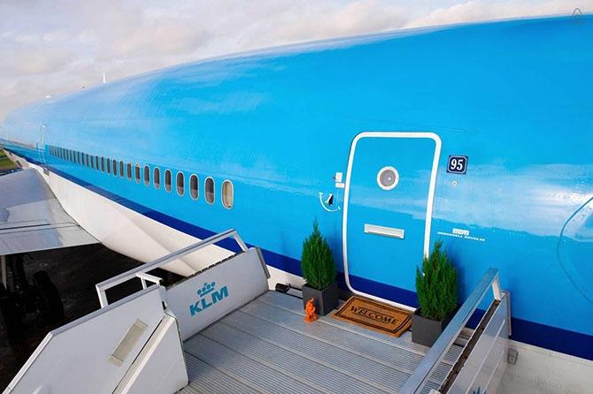 Пожить в самолёте (10 фото)