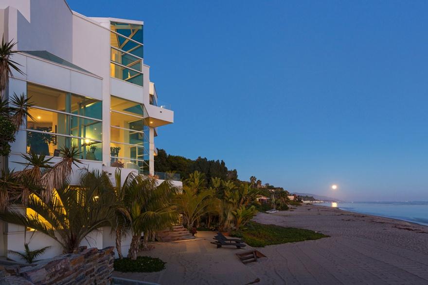 Шикарный особняк на берегу океана в Малибу (38 фото)