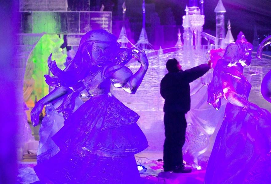 Международный фестиваль ледяных скульптур в Бельгии (12 фото)