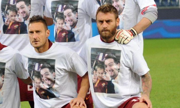 Футболисты клуба «Рома» почтили память своих болельщиков (5 фото)
