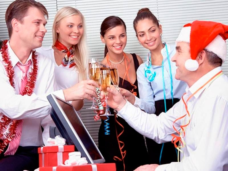 15 правил поведения на новогоднем корпоративе (16 фото)