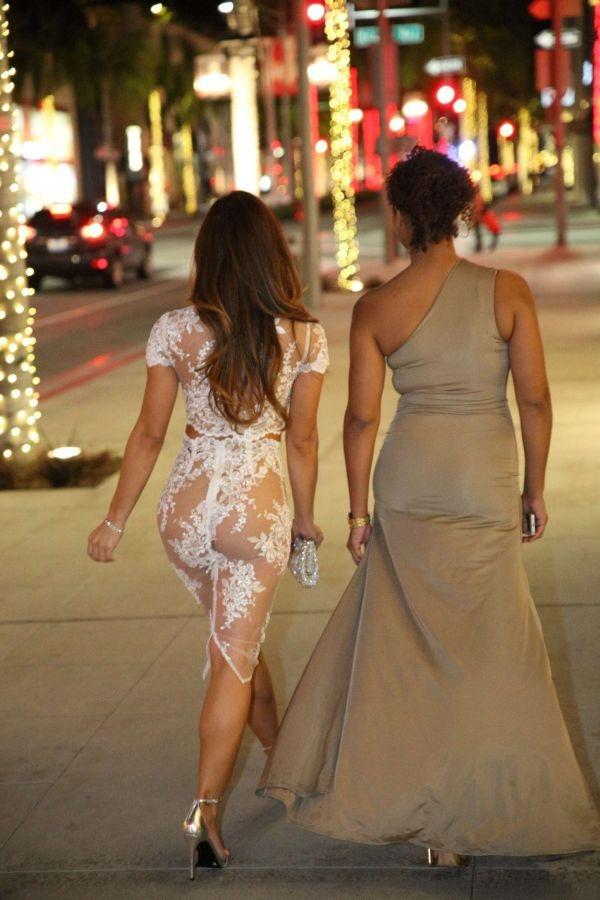 27-летняя Дафни Джой явилась на публике в очень открытом платье (11 фото)