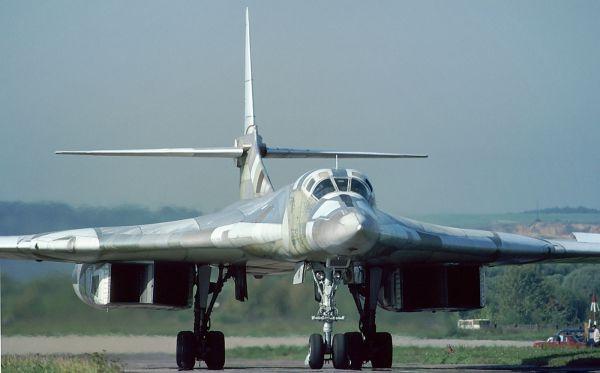 10 фактов о самом мощном бомбардировщике России (12 фото)