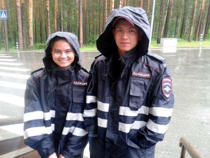 Россия: какие девушки работают в полиции (40 фото)