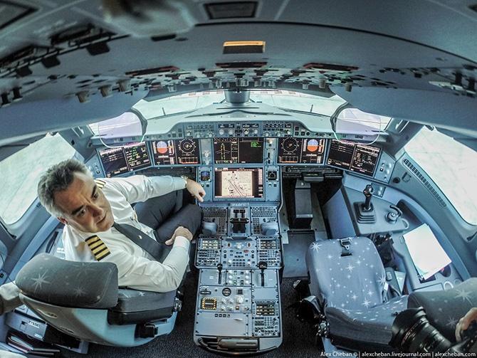 Полет на самом новом самолете в мире (38 фото)