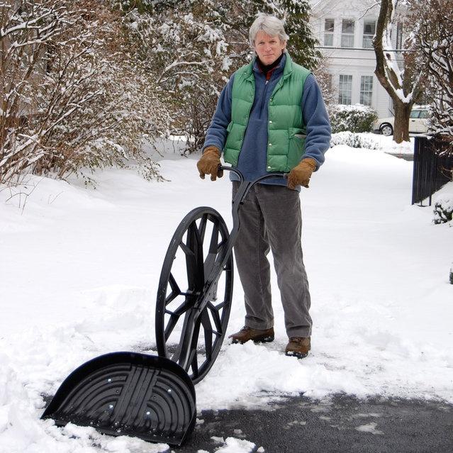 Полезное приспособление для уборки снега (5 фото + 1 видео)