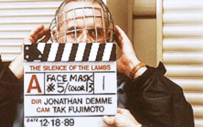 Выбор маски Ганнибала Лектера для фильма «Молчание ягнят» (1 фото + 5 гифок)