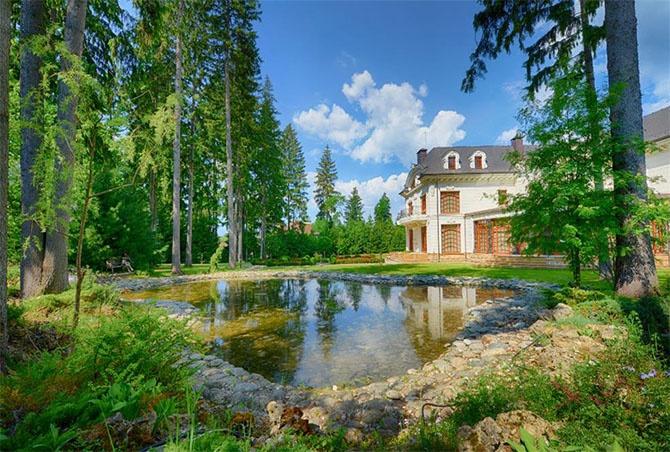 Золотой дворец на Рублёвке за 100 млн. долларов (24 фото)