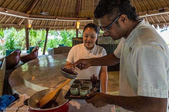 Как делают кокосовое масло (10 фото)