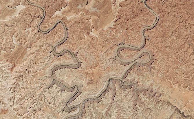Красивые места на Земле: вид из космоса (27 фото)