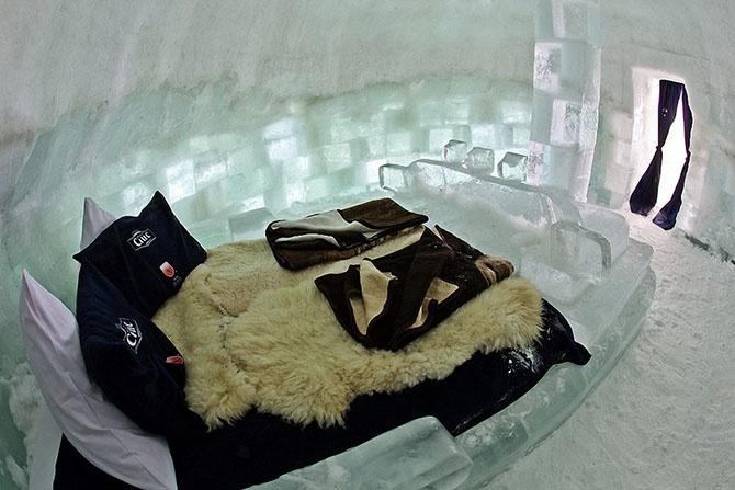 8 удивительных ледовых отелей мира (27 фото)
