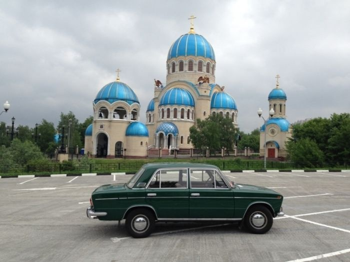 ВАЗ 2103 за 797 000 рублей (6 фото)