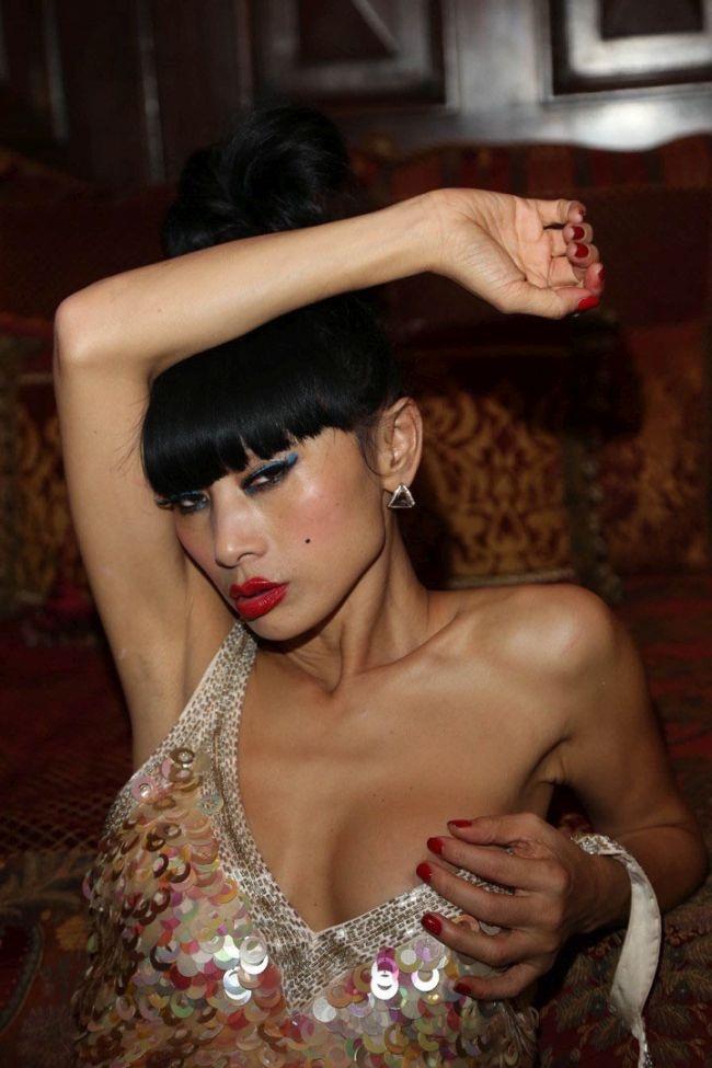 В сети появились фотографии полуобнаженной американской актрисы Бай Лин. НЮ (10 фото)