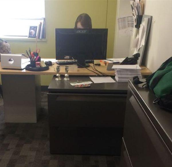 Как можно обмануть своего начальника (3 фото)