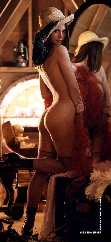 Модель ноябрьского выпуска Playboy стала первой леди интернета. НЮ (2 фото)