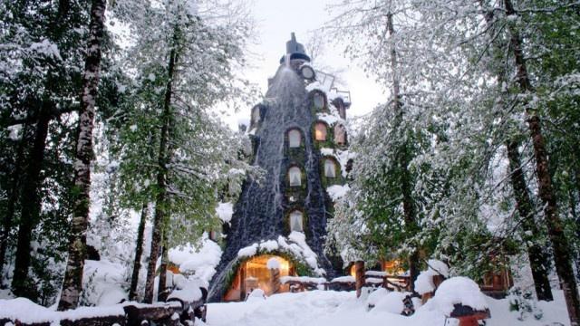 Montana Magica Hotel в Чили: уникальный отель в виде извергающегося вулкана (11 фото)