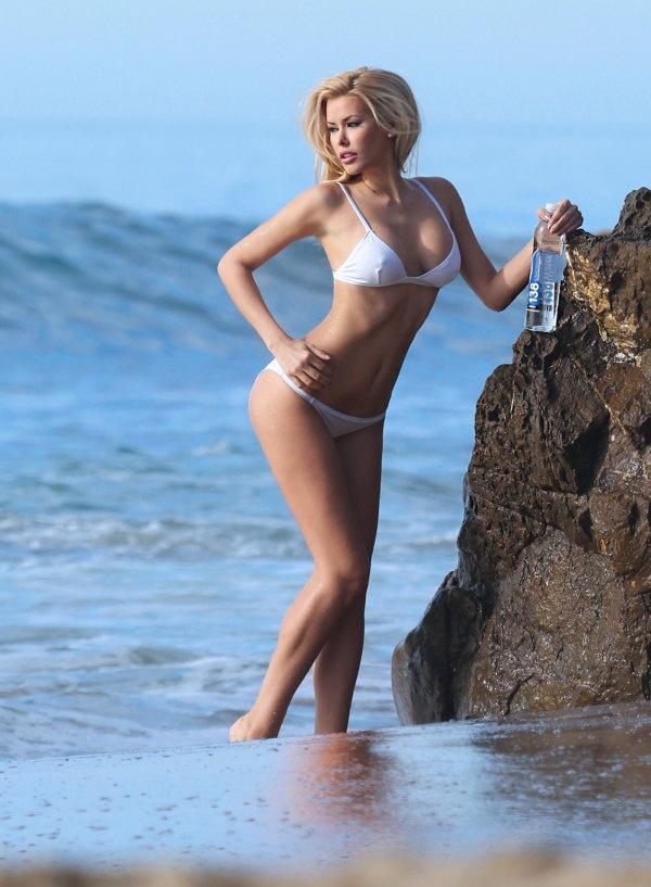 Малоизвестные фото Кеннеди Саммерс - победительницы «Мисс Playboy 2014» (12 фото)
