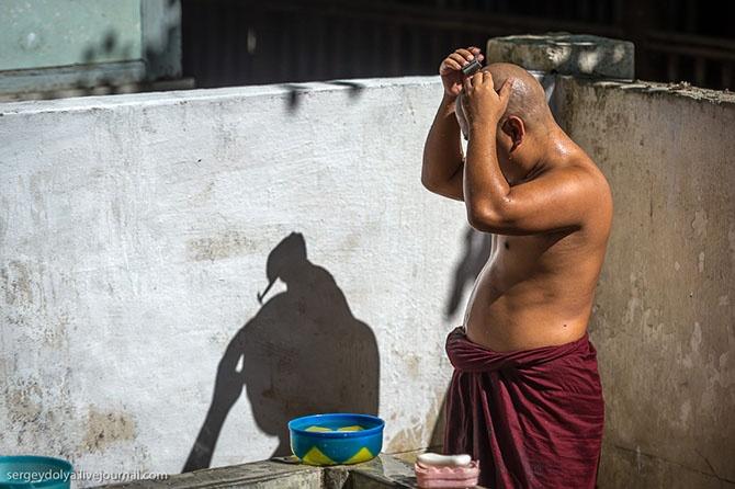 Как живут бирманские монахи (30 фото)