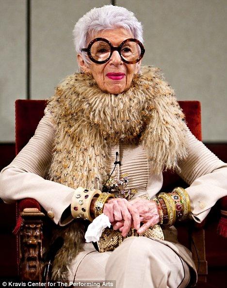 Эта бабуля русская и она оформляла кабинеты 9 президентам США. Да, и тот самый для Билла Клинтона (13 фото)
