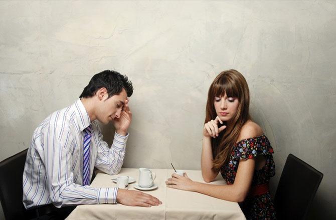 Глупые поступки, которые девушки совершают на первом свидании (9 фото)