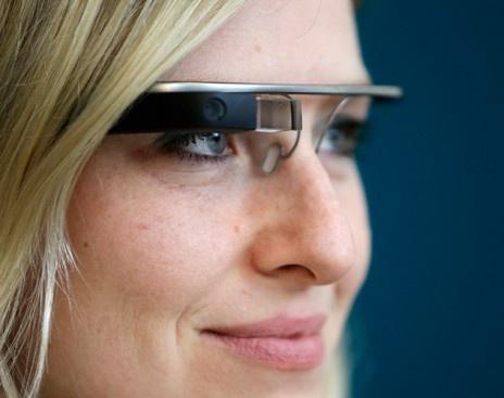 Google прекратит продажи Glass (1 фото)
