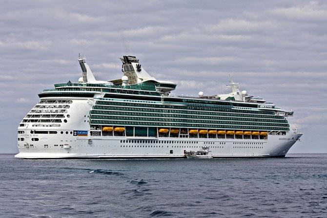 Рейтинг крупнейших пассажирских кораблей (11 фото)