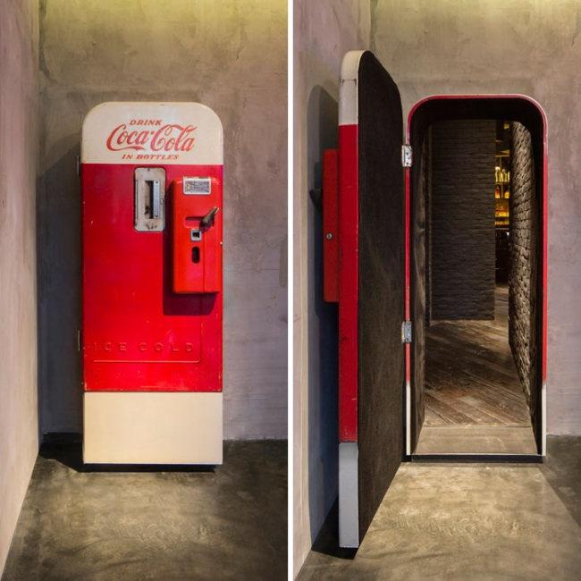 Что может быть внутри автомата Coca-Cola (9 фото)