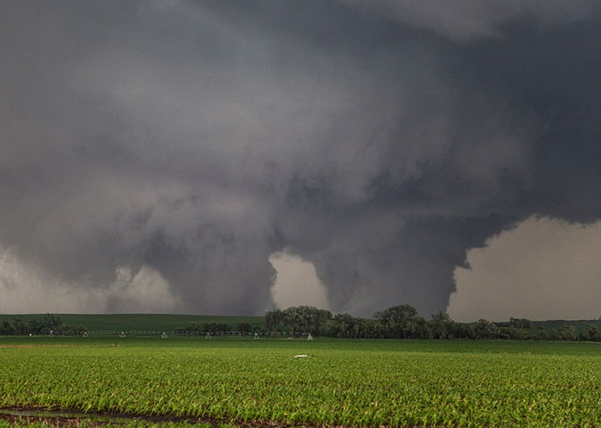 Охотник за ураганами (23 фото)