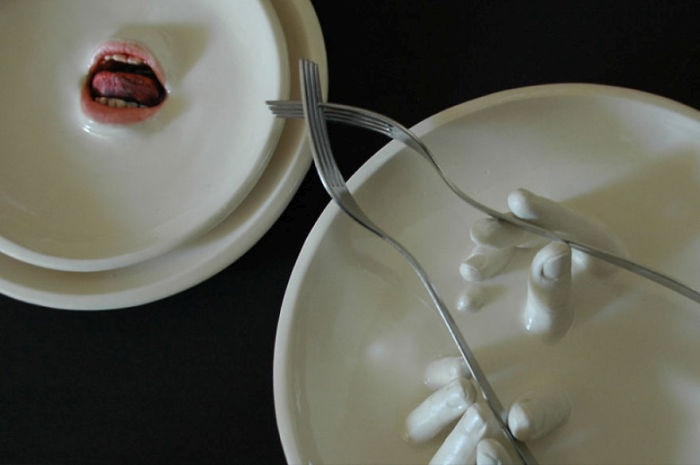 Прикольная посуда израильского скульптора (18 фото)