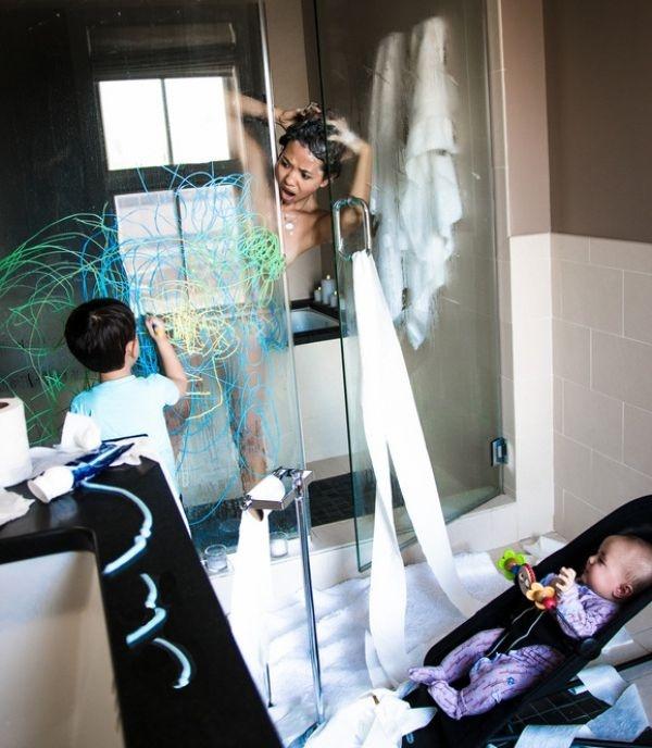 Обычная жизнь семей с детьми (12 фото)