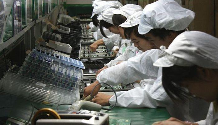 Обычный обеденный перерыв работников крупнейшего производителя электроники в мире (5 фото)