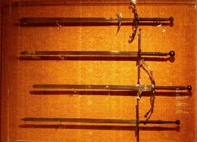 Образцы необычного оружия (10 фото и 1 видео)