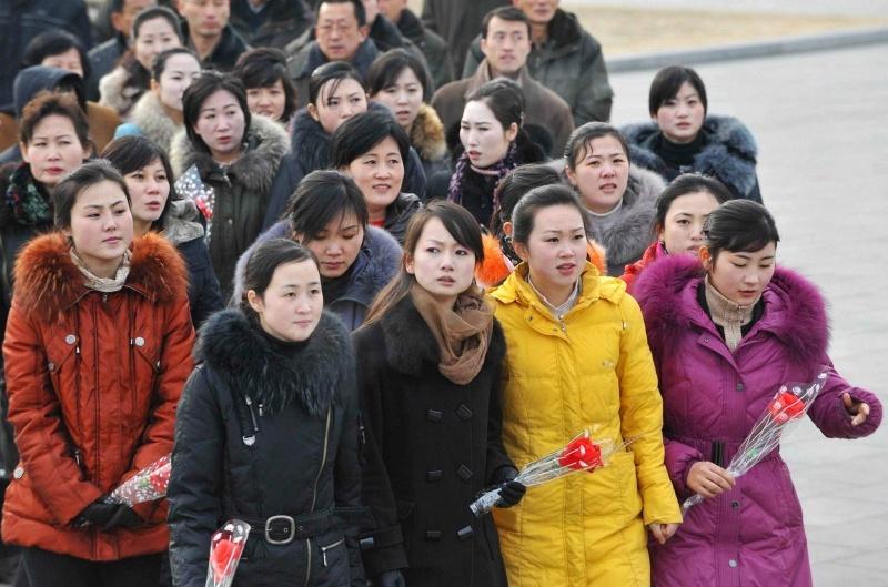 Девушки из Южной и Северной Корей