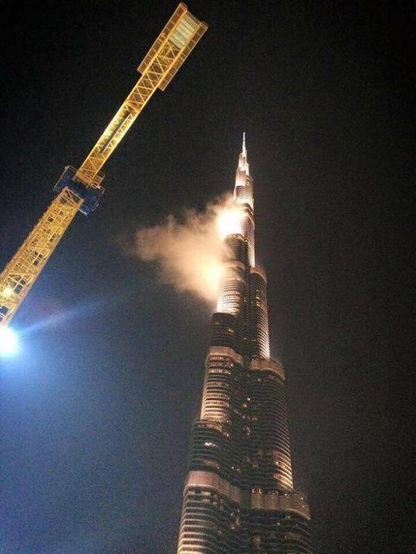 Фейковая новость о пожаре в самом высоком здании мира (5 фото)