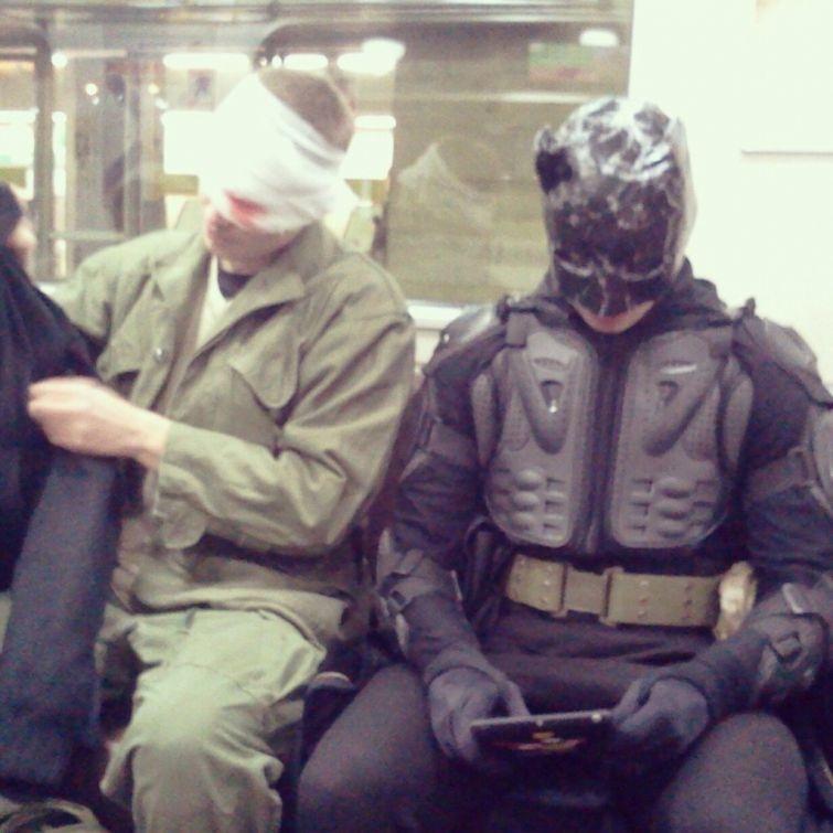 Фрики в метро (28 фото)