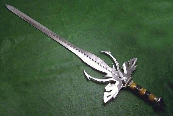Авторское оружие из стали (9 фото)