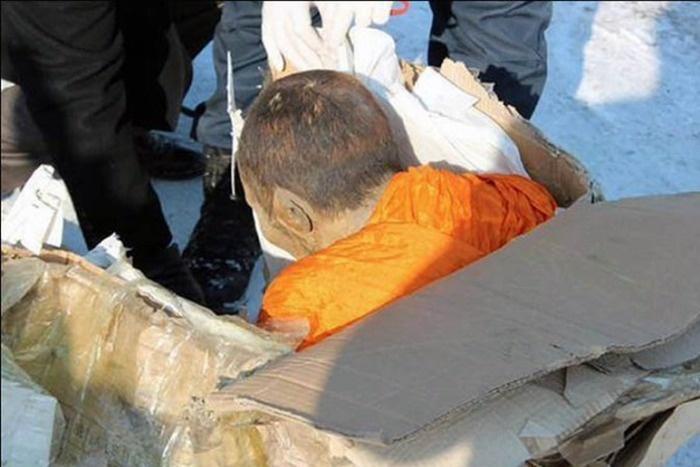 Ученые изучают тело 200-летнего монаха с признаками жизни