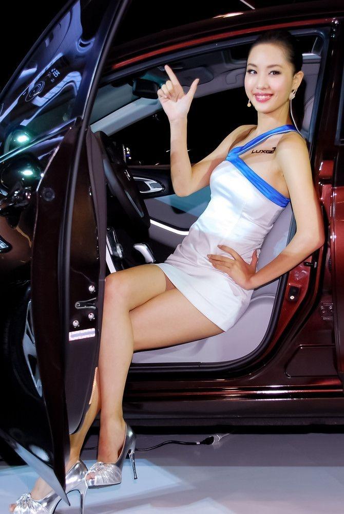 Красивые модели из Азии (92 фото)