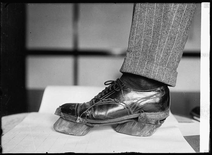 Необычная обувь одного американца (3 фото)