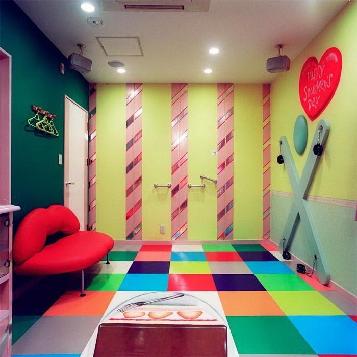 Интерьеры комнат для воплощения сексуальных фантазий (21 фото)
