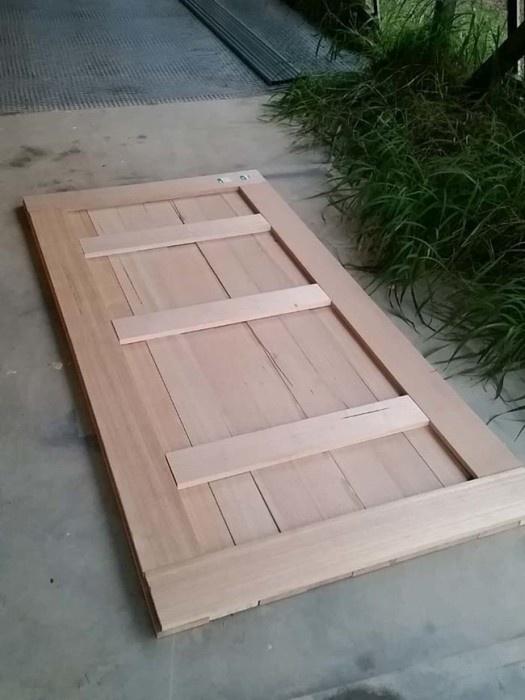 Стильная дверь своими руками (12 фото)